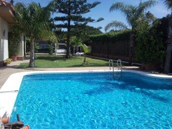 Magnifica villa mara en valdelagrana puerto de santa mar a for Piscina municipal el puerto de santa maria