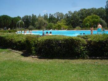 Vacaciones en villa rom nica de almaz n soria for Piscina olimpica madrid